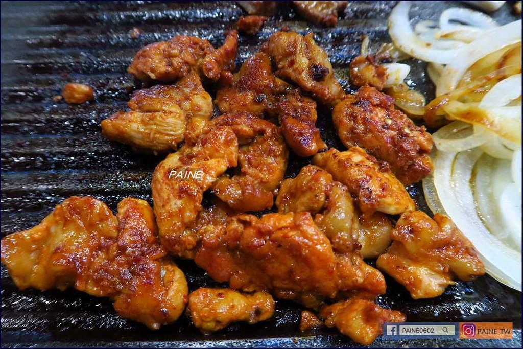 炭末酒 烤腸烤肉吃到飽